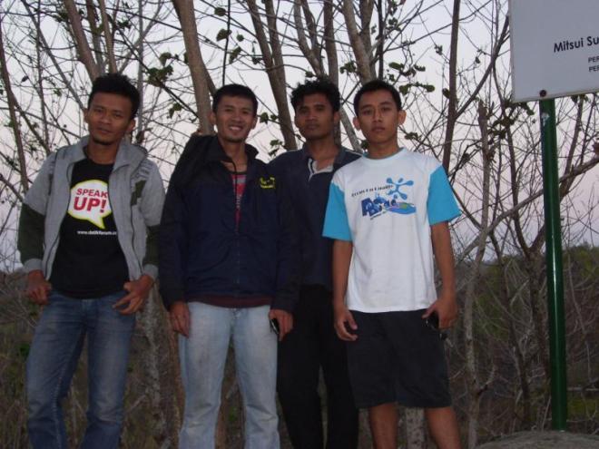 Berpose di puncak Bukit Sodong - Paliyan