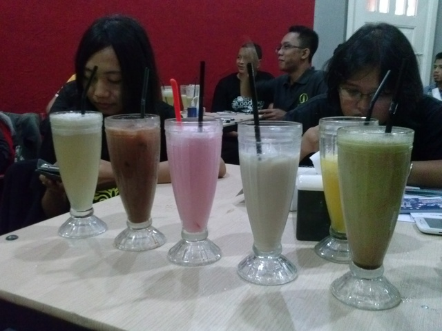 Aneka Minuman di Legend Cafe
