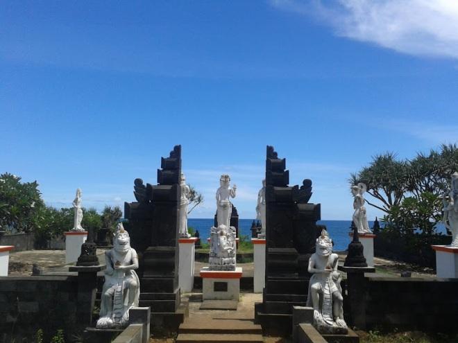 Gerbang Pantai Ngobaran