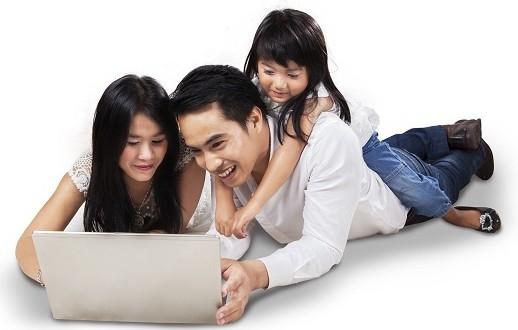 Internet dan Keluarga foto oleh: itusnetworks.com