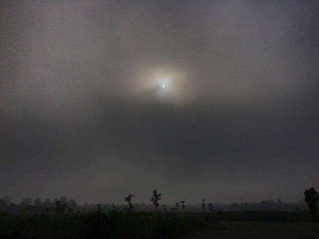 gerhana matahari parsial di gunungkidul.resized