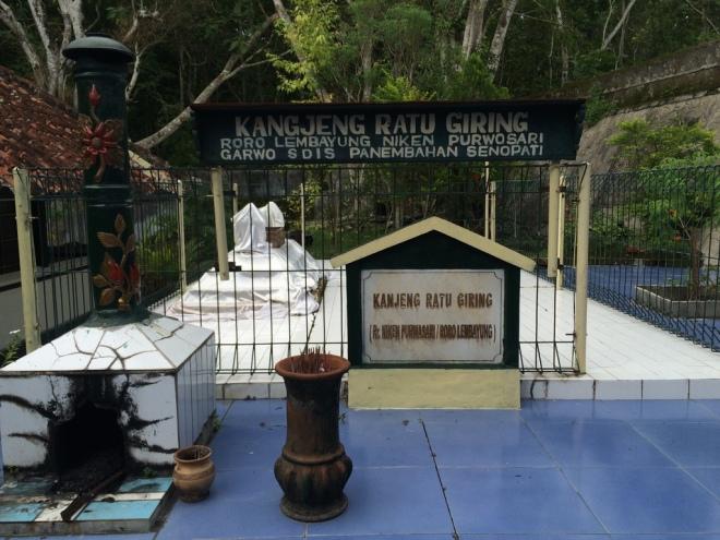 Makam Kanjeng Ratu Giring (Rara Lembayung Niken Purwasari)