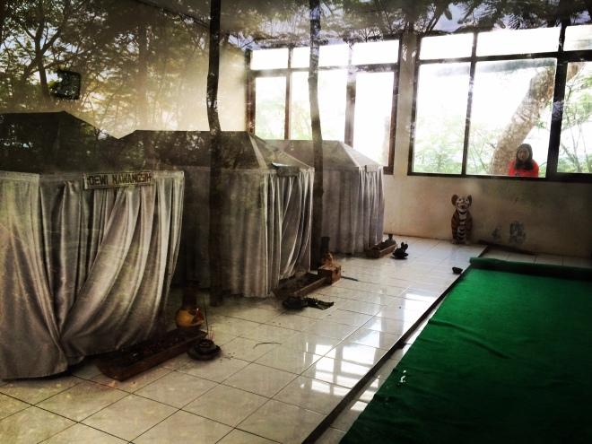 Nisan Joko Tarub, Dewi Nawangsih dan Bondan Gejawan di Petilasan Gunung Bagus, Desa Giring, Kecamatan Paliyan, Gunungkidul