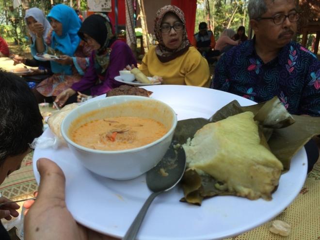 Saya pun Menikmati Hidangan Sompil di Festival 1001 Sompil di Patuk - Gunungkidul