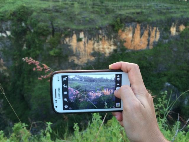 jarwadi memotret lembah ngingrong atau ngingrong geopark