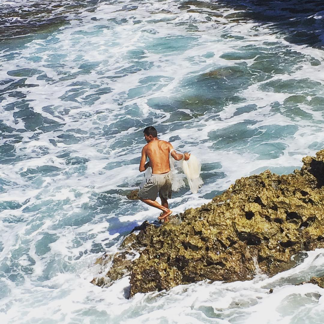 Pantai Jogan dan Lelaki Penjaring Hati