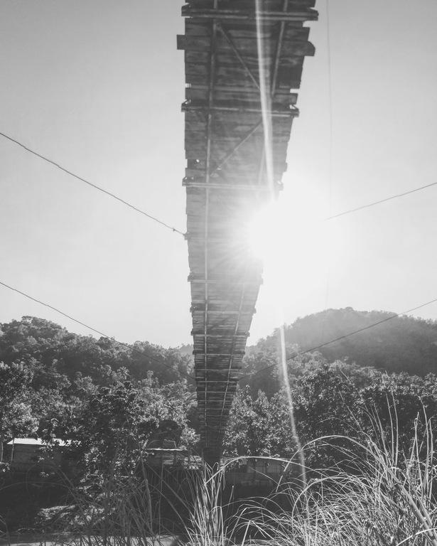Jembatan Gantung Selo Pamioro Nampak Bawah