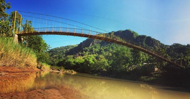 Jembatan Gantung Selo Pamioro Imogiri Bantul
