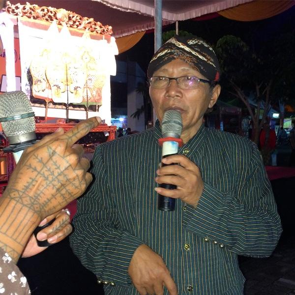 Ki Slamet - Dhalang Wayang Beber Dengan Lakon Andhe Andhe Lumut di Pameran Potensi Daerah Gunungkidul 2016
