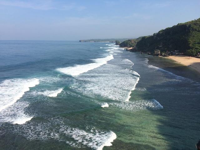 Hamparan Pantai Pok Tunggal  Dilihat dari Puncak Tanjung