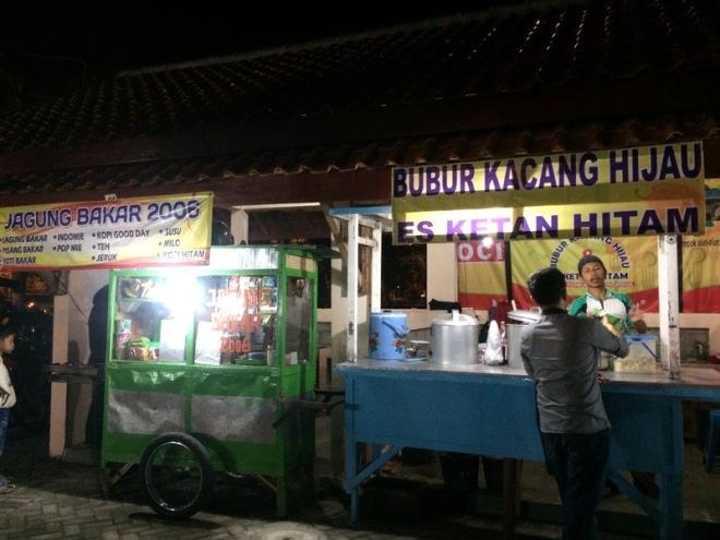 Taman Kuliner Wonosari Gunungkidul: Bubur Kacang Hijau Es Ketan Hitam dan Jagung Bakar 2006