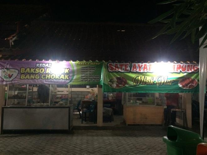 Taman Kuliner Wonosari Gunungkidul: Bakso Rusuk Bang Chokak dan Sate Ayam Kampung Mbak Mar