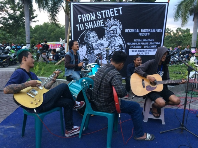 Live Music di Taman Kuliner Wonosari