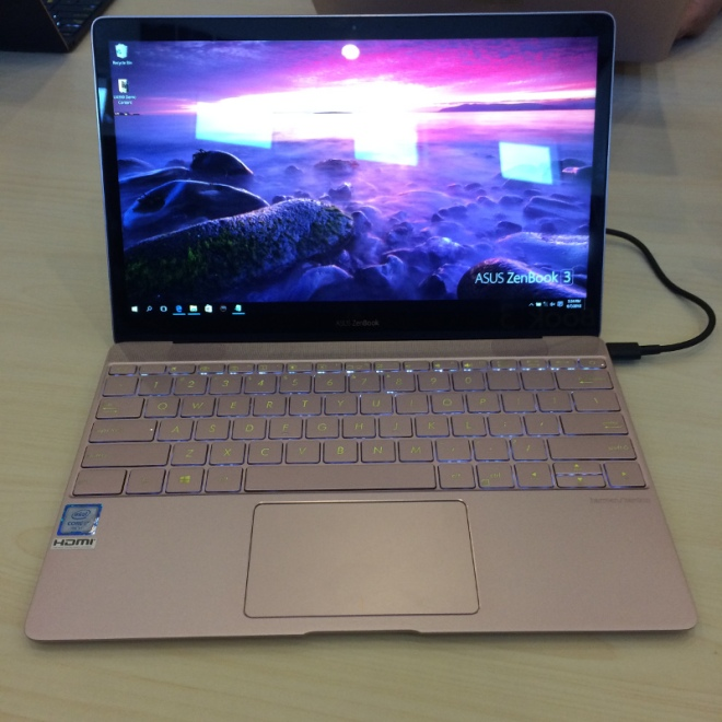 Asus Zenbook UX390UA Gold at Asus Zenvolution Nusa Dua Convention Center