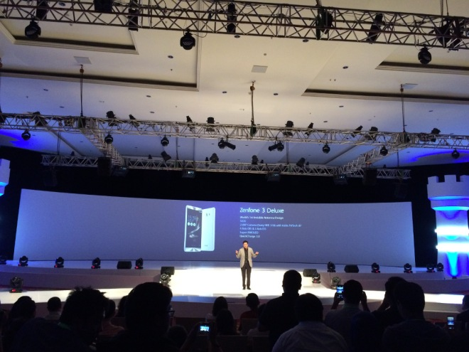 Zenfone 3 Deluxe on Stage