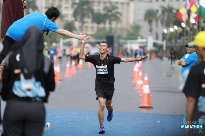 Menjejak Garis Finis Jakarta Marathon 2016