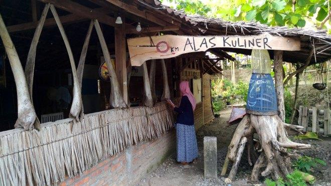 Alas Kuliner - Watu Lumbung - Kretek - Bantul