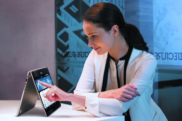 ZenBook Flip UX360UAK, Convertible Ultrabook Bertenagakan Intel KabyLake