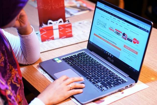 Advent Jose Zenbook UX410UQ.jpg