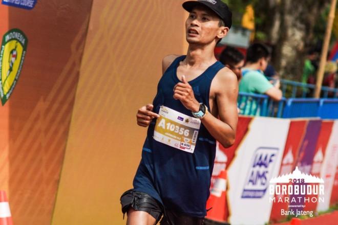 Jarwadi Sub 4 Borobudur Marathon 2018